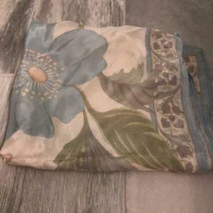🆕 Vintage Liz Claiborne blue silk floral scarf